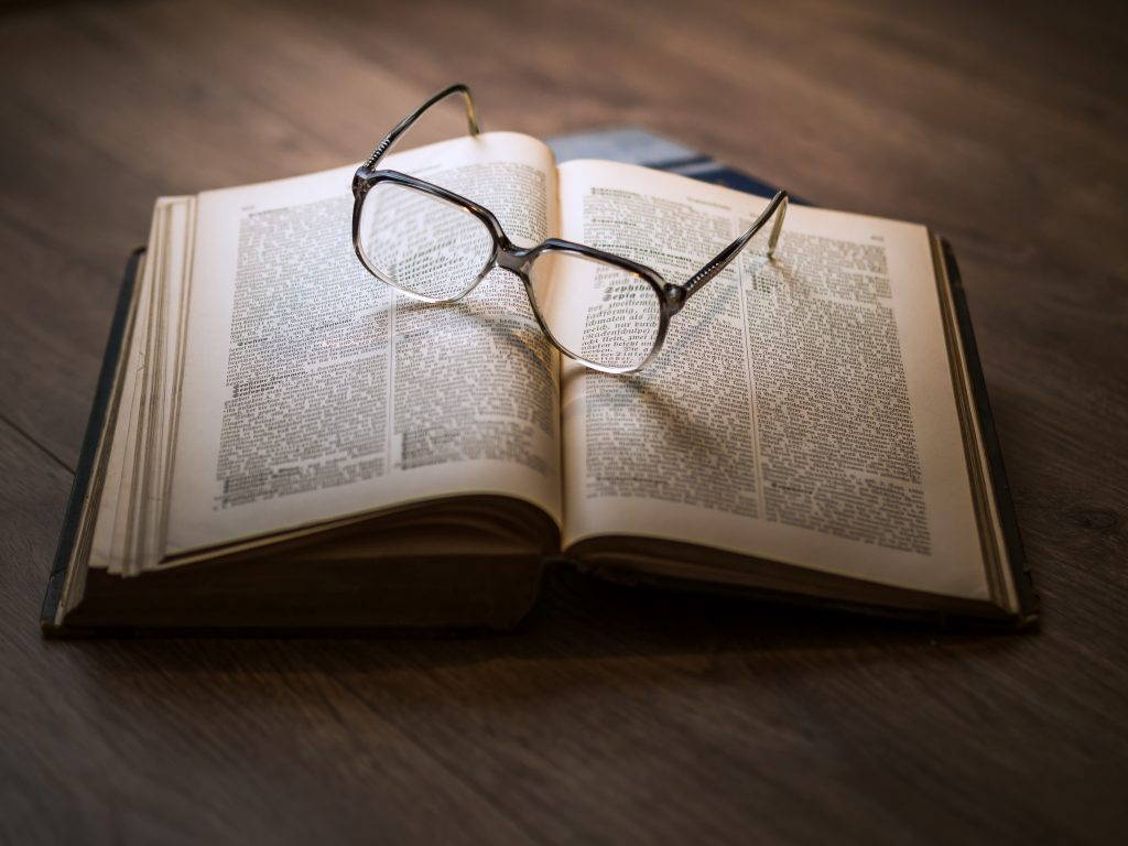 Book Review Writing : Three Essential Steps